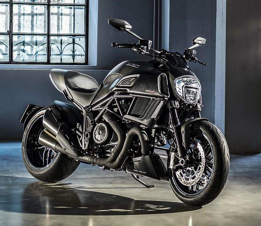 Мотоцикл Ducati Diavel Carbon 2016