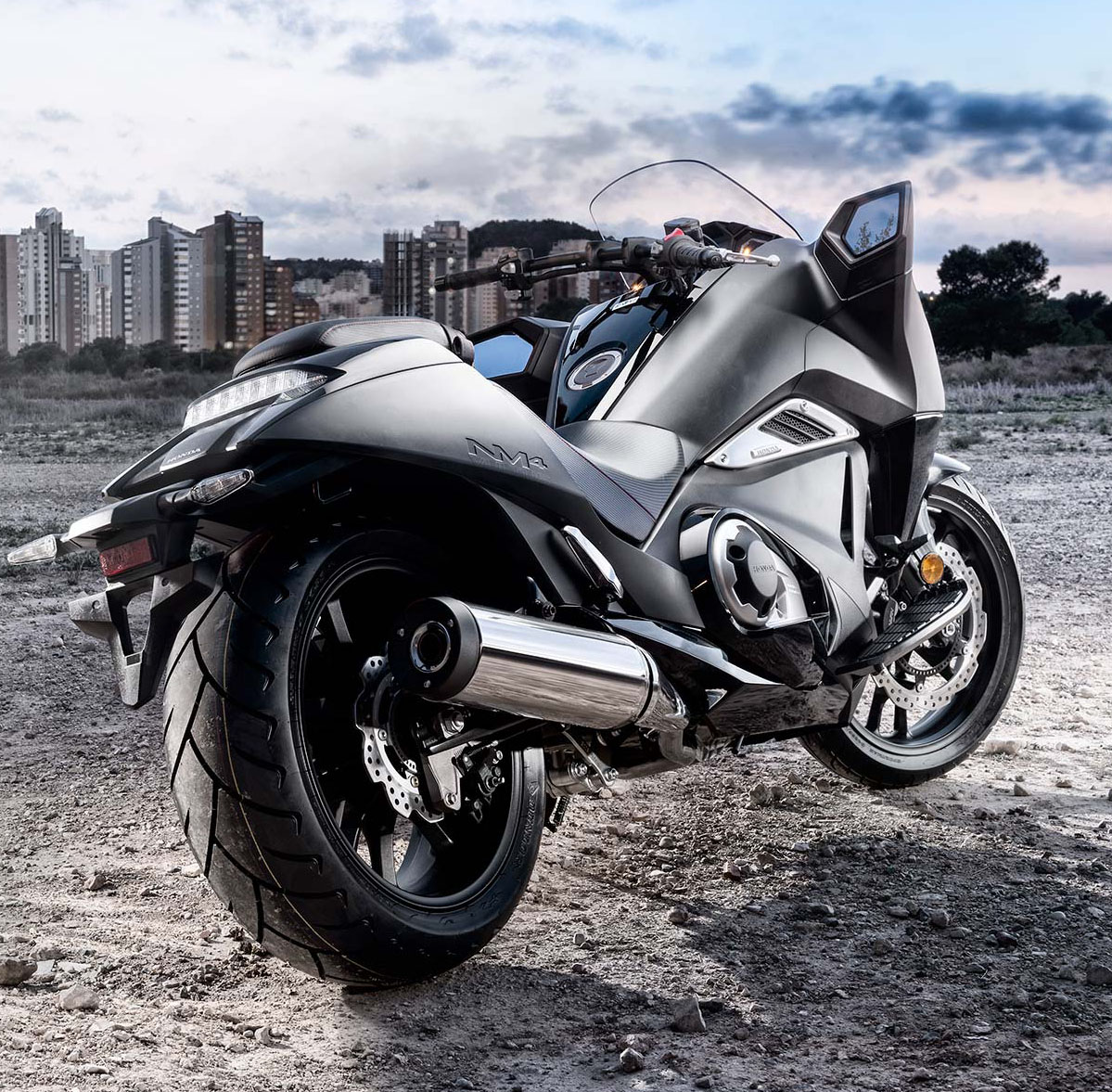 Мотоцикл Honda NM4 Vultus 2015