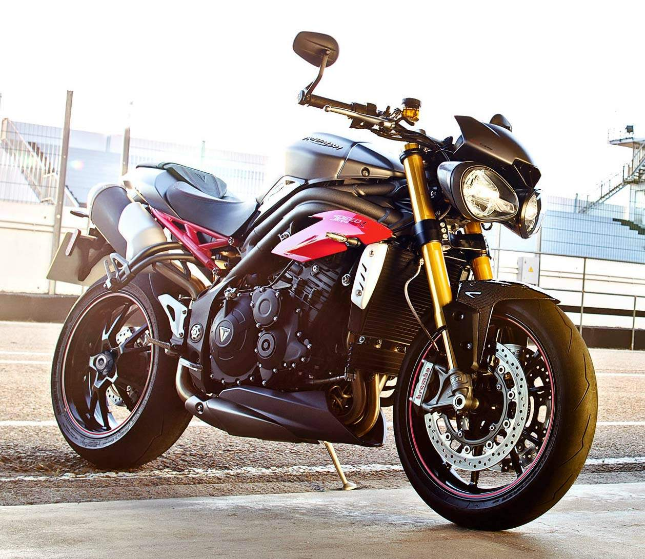Мотоцикл Triumph Speed Triple R 2016