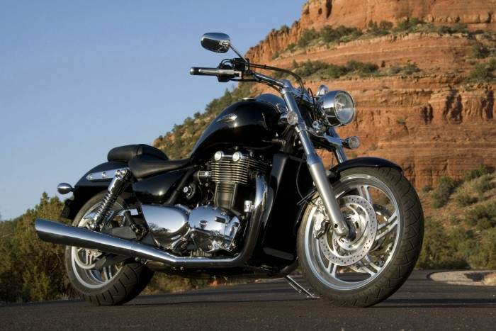 Мотоцикл Triumph Thunder bird 2010