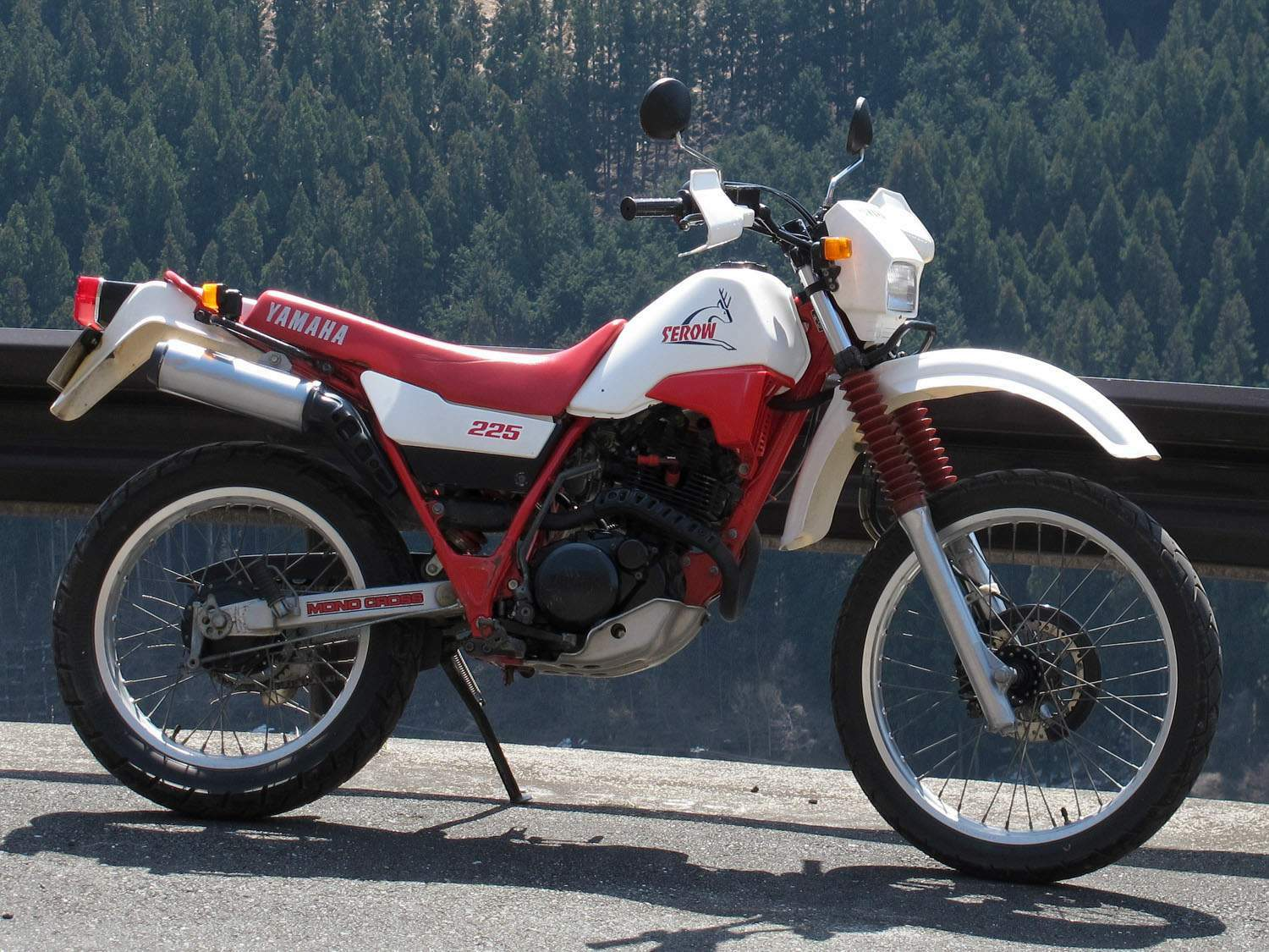 Мотоцикл Yamaha XT 225 Serow 1985